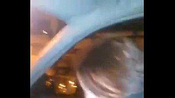 bebendo porra dentro do carro