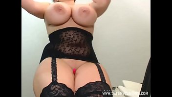 camslut missystylez3 showing het big tits.