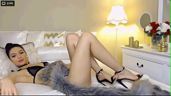 hot cam girl from 6969cams.com with amazing feet.