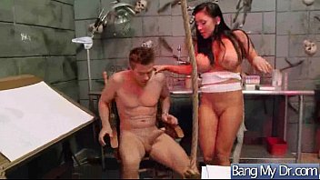 hot patient (audrey bitoni) get seduced by doctor.