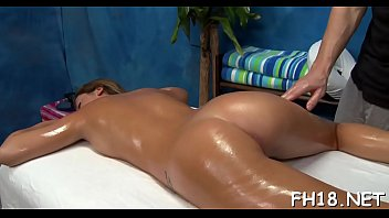 sexy hot hottie bonks and sucks her massage therapist