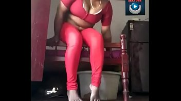 chubby indian aunty showing her figure