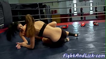 fighting babes scissoring and licking pussies