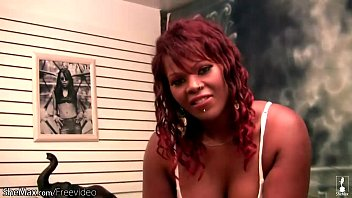 bbw ebony tranny strips bra and panties and.
