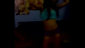 rica chibola se graba bailando