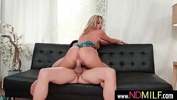 tucker pierce blondie milf bang hard in sex tape