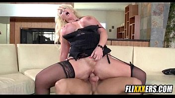 blonde milf and tiny daughter 4