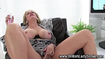 lady sonia british masturbation