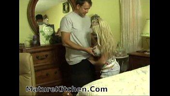 short blonde girl gets creampie