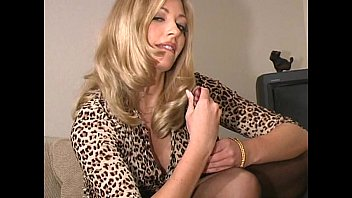 laurie wallace in pantyhose - part.