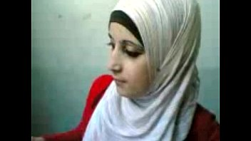 hijab arab girl boobs flash