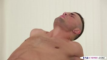 muscular hunk drilled during mmf threesome
