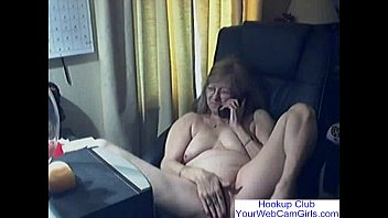 lovely granny with glasses free webcam.