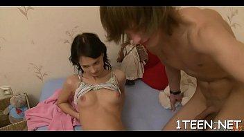 shovelling a hard pecker into babe&#039_s vagina pleases guy