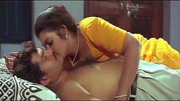 mallu aunty masala bathing romantic videos