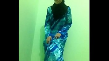 indonesian hijab girl nude on bigo sex chat.