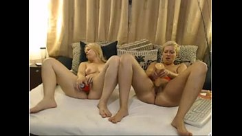 monaandbettys room a strapon in girls 1 from 720cams.com