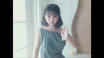 6481486 very cute girl selphy