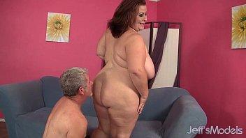 big boobed mature bbw lady lynn gets her.