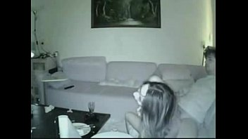 couple like to do it on couch - camgirls99.com