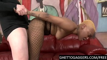hard deepthroat &amp_ doggy for yellow head black slut