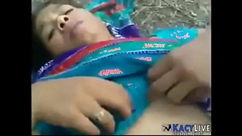 bangladeshi indian maid sex outdoors -.