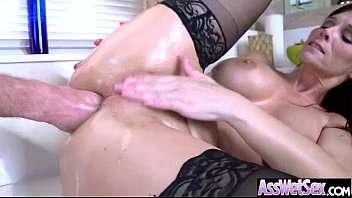 (syren de mer) big butt girl get oiled.