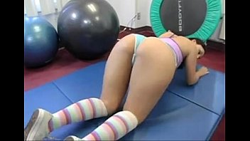 brunette fit babe playing at hardbodycams.com