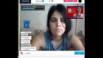 webcam girl showing her boobs