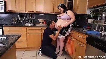 ssbbw maid eliza allure cleans juan.
