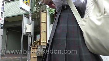 voyeur upskirt of japanese 02