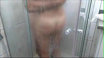 paula e silva no banho