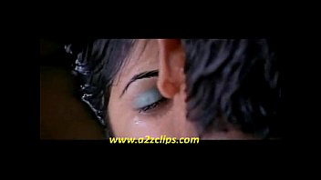 genelia hot kiss scene from boys