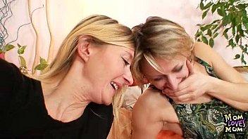 two mature amateur milfs lesbian first.