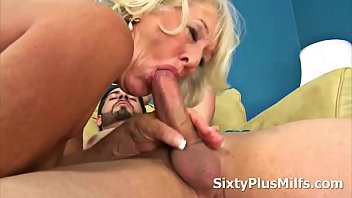 mature lady gets fucked by a.