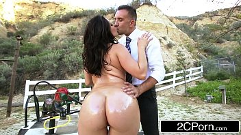 big ass school-girl gracie glam gives straner a.
