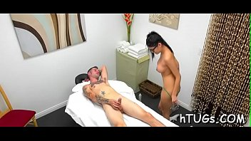 hottest masseuse ever takes enjoyment in rubbing a client